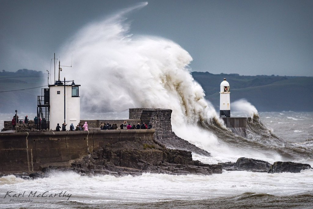 Spectators_in_awe_as_Storm_Callum_hits_Porthcawl_by_Karl_McCarthy_McCarthyKarl_1024x1024