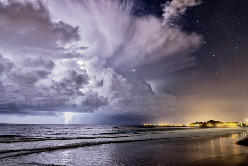 Storm_in_Palm_Beach_-_Queensland_-_Australia_by_Glen_Anderson_Gleno_1024x1024