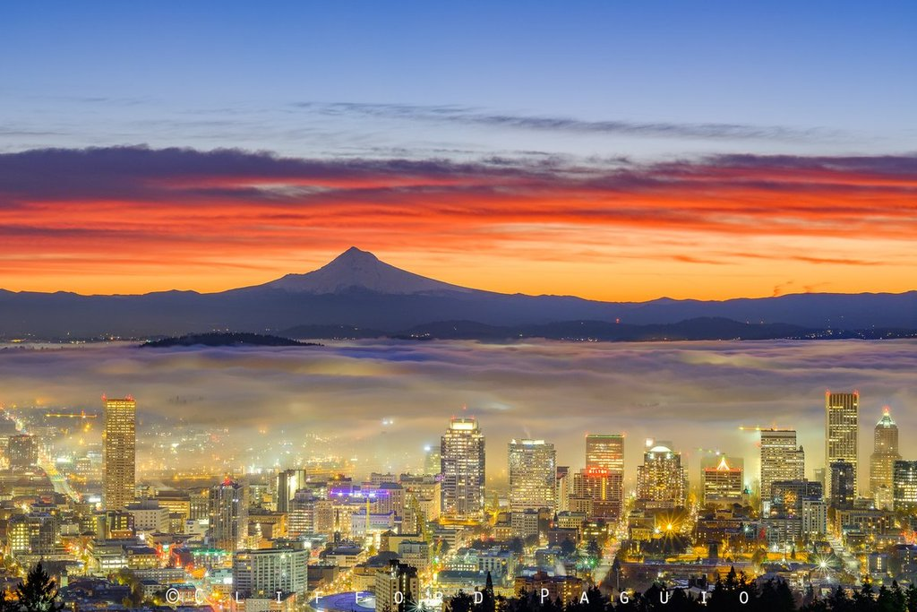 Gorgeous_Foggy_sunrise_in_Portland_Oregon_Clifford_Paguio_clifford_paguio_1024x1024