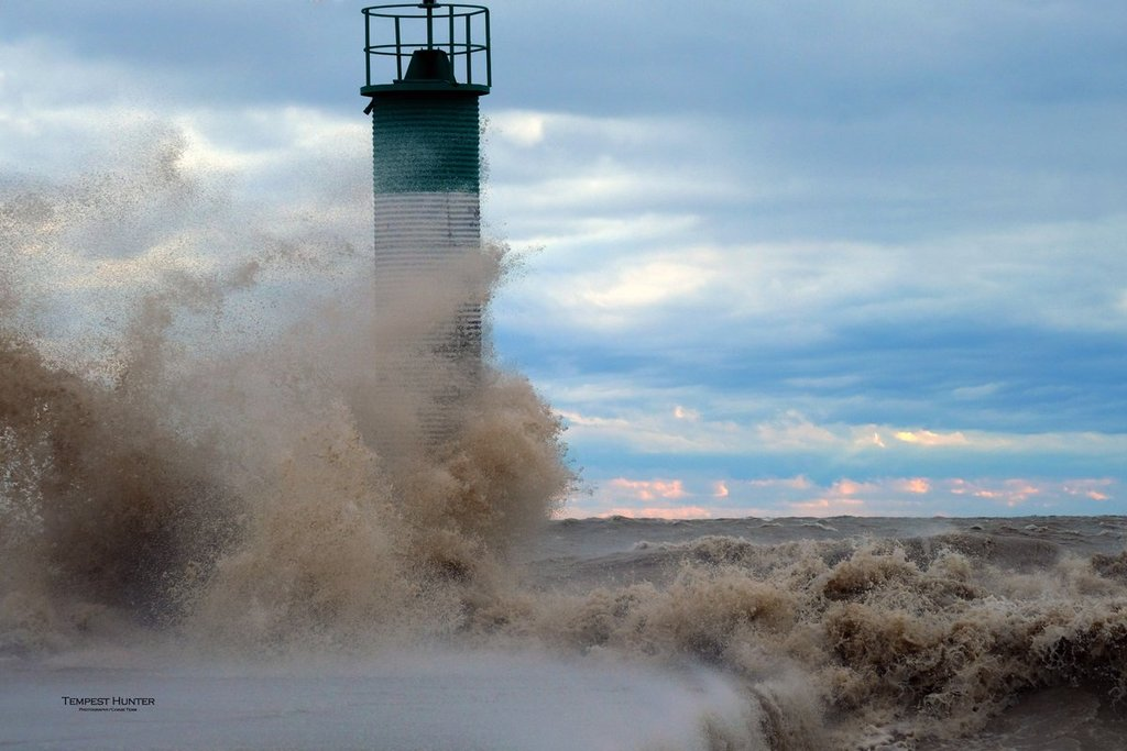 Lake_Erie_was_angry_but_in_the_midst_of_all_that_anger_there_was_definite_beauty_by_Tempest_Hunter_tempesthunterph_1024x1024