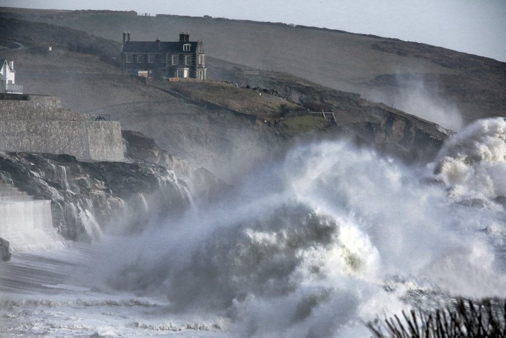 Rough_seas_at_Porthleven_Cornwall_UK_by_Paul_Silvers_Cloud9weather1_1024x1024
