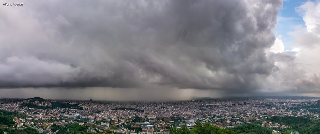 Storm_aproaching_Barcelona_by_Alfons_Puertas_alfons_pc_1024x1024