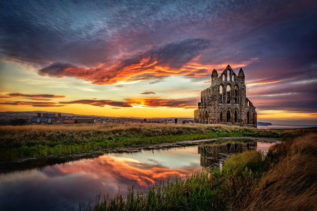 Whitby_Abbey_Sunset_by_Carl_Milner_Photography_carlmilner_1024x1024