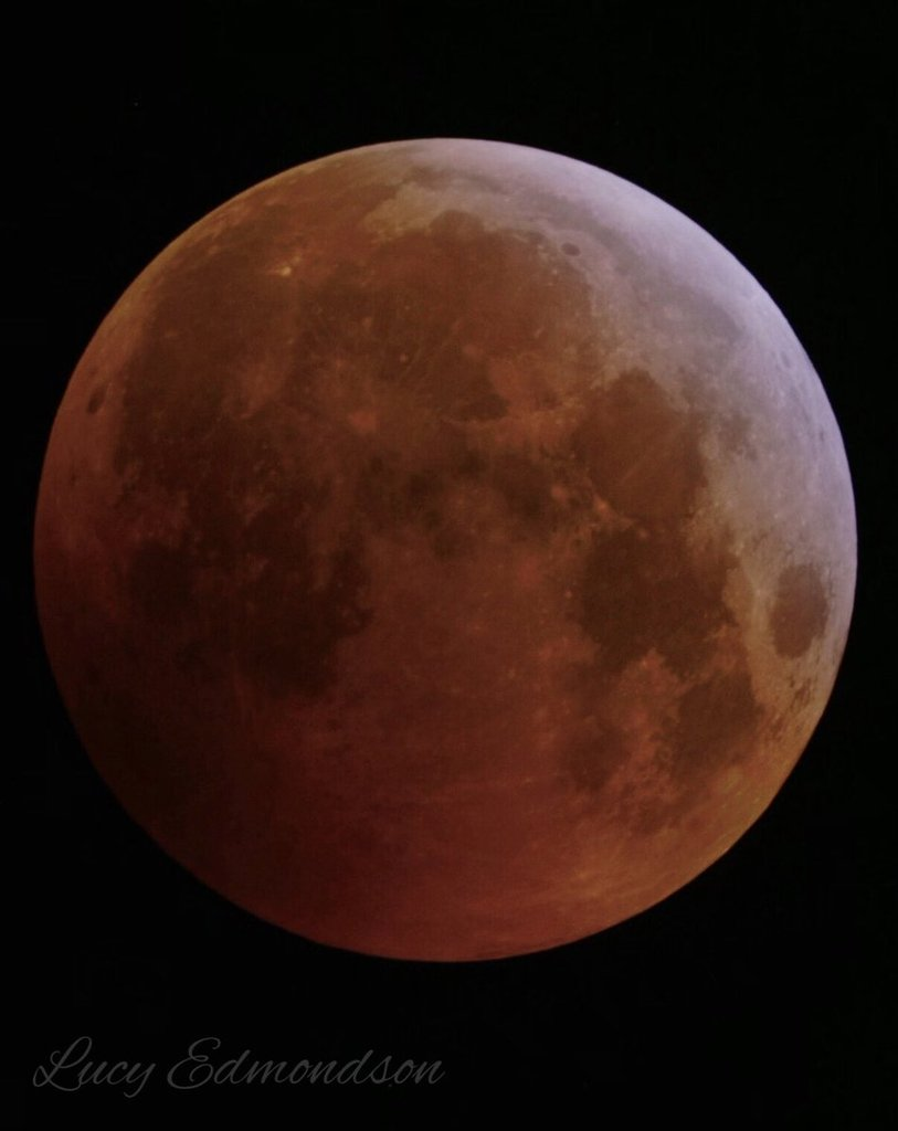 A_beautiful_Lunar_Eclipse_in_North_Wales_Lucy_Edmondson_Lucy__Edmondson_1024x1024