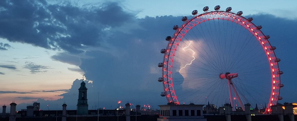 1st_Place_Lightning_at_dusk._London._by_Stephen_Prout_proutstephen_35271ccd-25f1-41af-bea9-c4690f375117_1024x1024