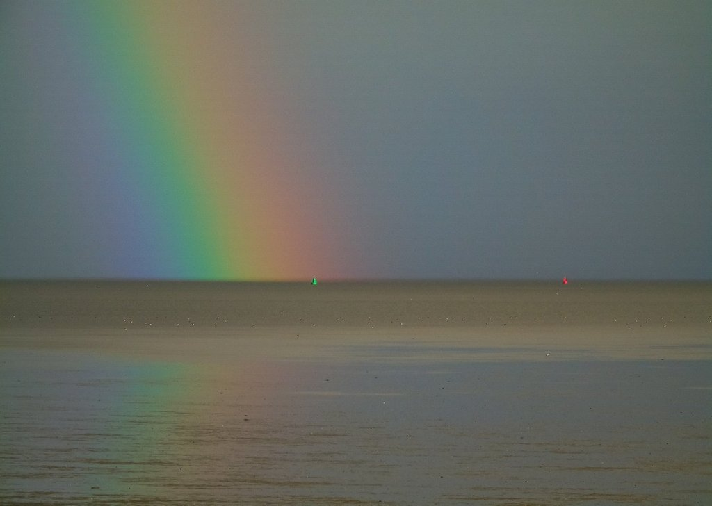 2nd_Place_A_rainbow_above_the_Waddenzee_near_Paesens-Moddergat_Netherlands_by_Meteo-Nederland_SevereWeather_N_1024x1024