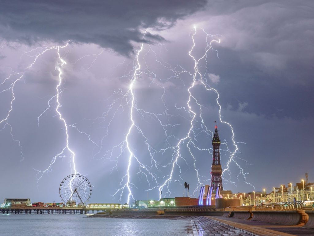 cheatley_stephen_electric_blackpool_2018_Weather_Photo_of_the_year_1728x