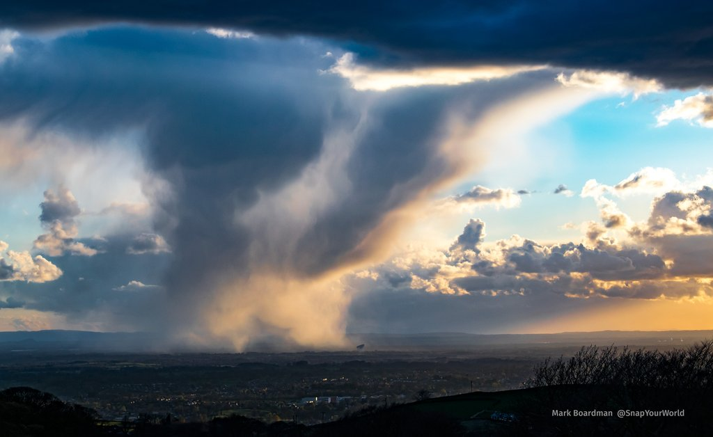 shower-over-jodrell-bank-27-04-2016_1024x1024
