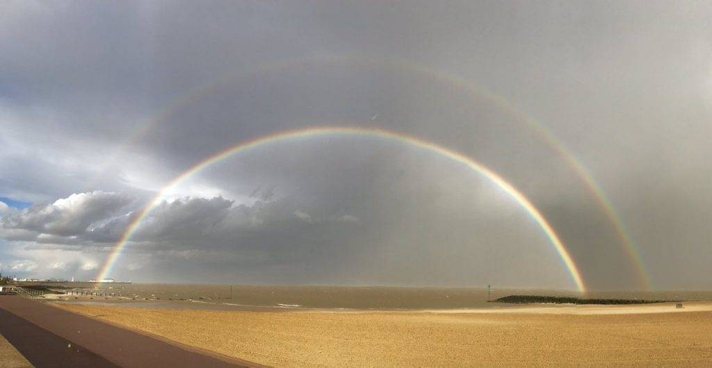 1st Place Shantelle Robinson @Shantelle_JJR Seeing double over Clacton-On-Sea beach last week!