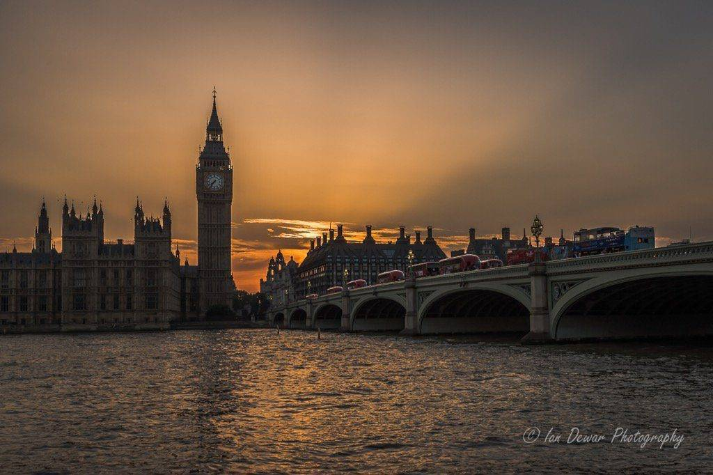 Crepuscular Rays and Big Ben London