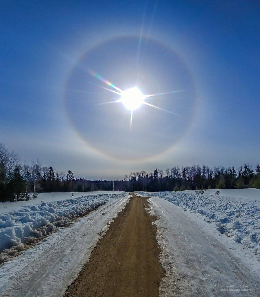 2nd Place A nice halo spotted in N.W. Ontario. by Gordon Pusnik @gordonpusnik