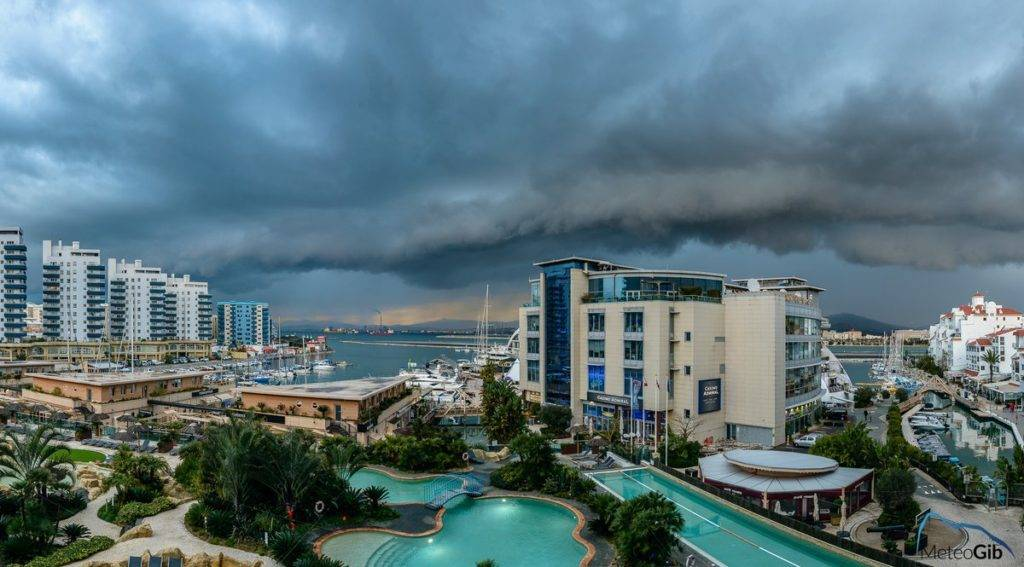 2nd Place Gibraltar - a fantastic shelf cloud/arcus captured moving in across the Bay by MeteoGib @MeteoGib