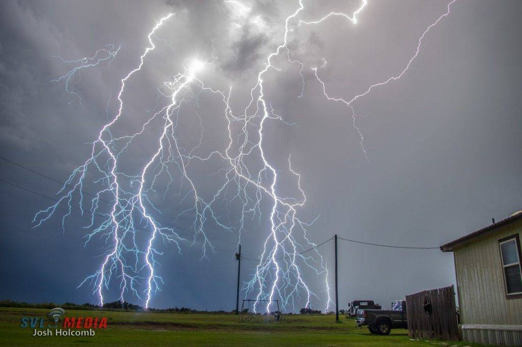 2nd Place Josh Holcomb @NTXstormspotter Last nights Thunderstorm was highly Electrifying in Nocona Tx One 10 sec exposure non stacked caught this beauty