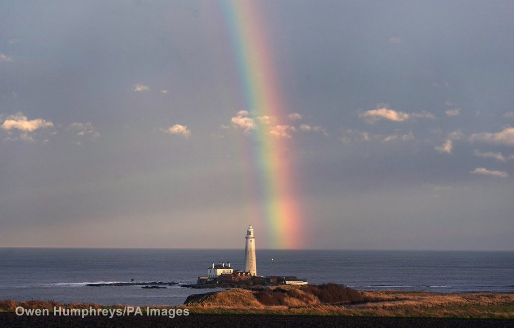 A_nice_rainbow_to_finish_the_day_on_the_North_East_coast_Owen_Humphreys_owenhumphreys1_1024x1024