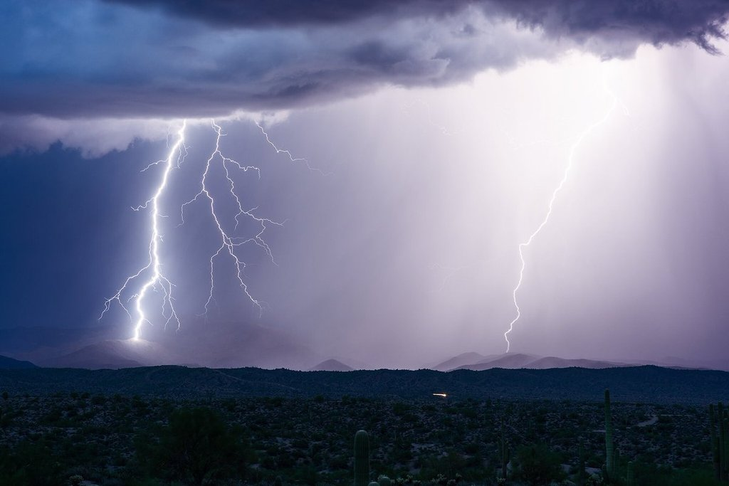 Arizona_summer_storms_by_John_Sirlin_SirlinJohn_1024x1024