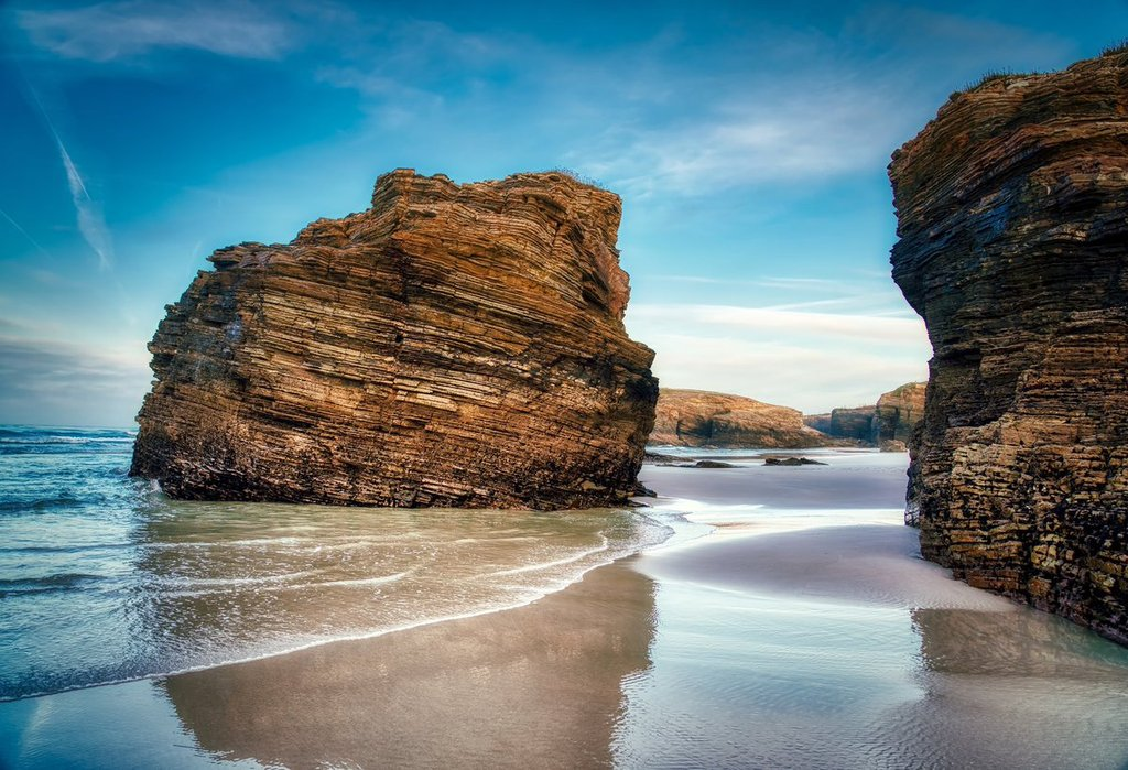 Playa_de_las_Catedrales._Ribadeo_by_Agustin_Alonso_Agus2010_1024x1024