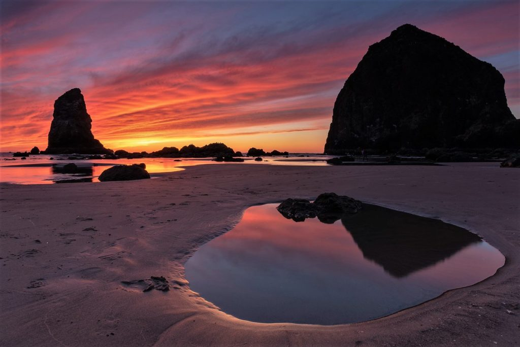 Sunset at Cannon Beach, Oregon by OldMan @oldmanloudwife