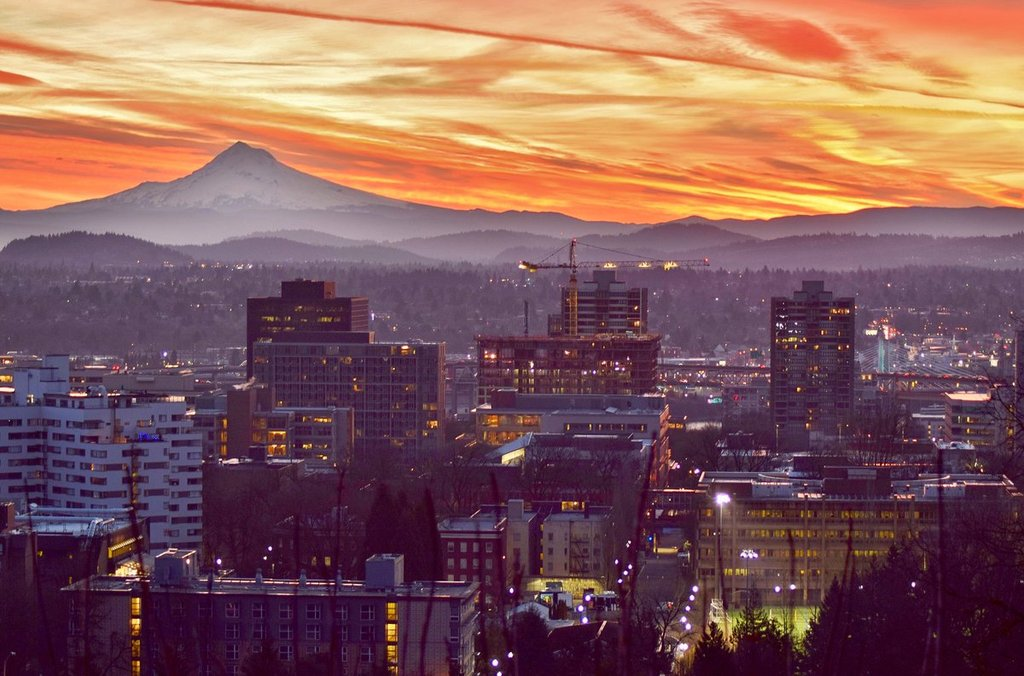The_sky_over_Portland_and_Mt._Hood_by_Mike_Warner_MikeKATU_1024x1024
