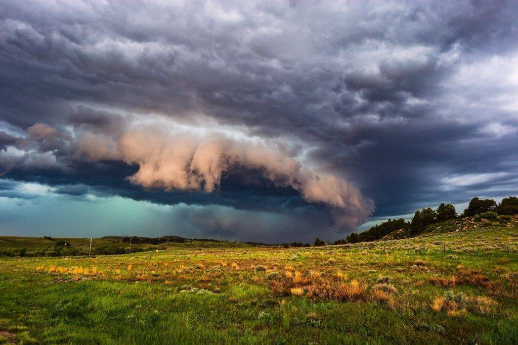 Tornadic storm approaches Interstate 25 south of Glendo, Wyoming by John Sirlin @SirlinJohn