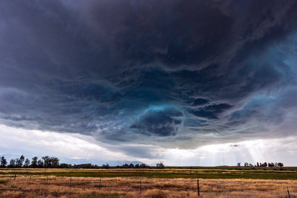 A supercell thunderstorm near Joliet, Montana by John Sirlin @SirlinJohn