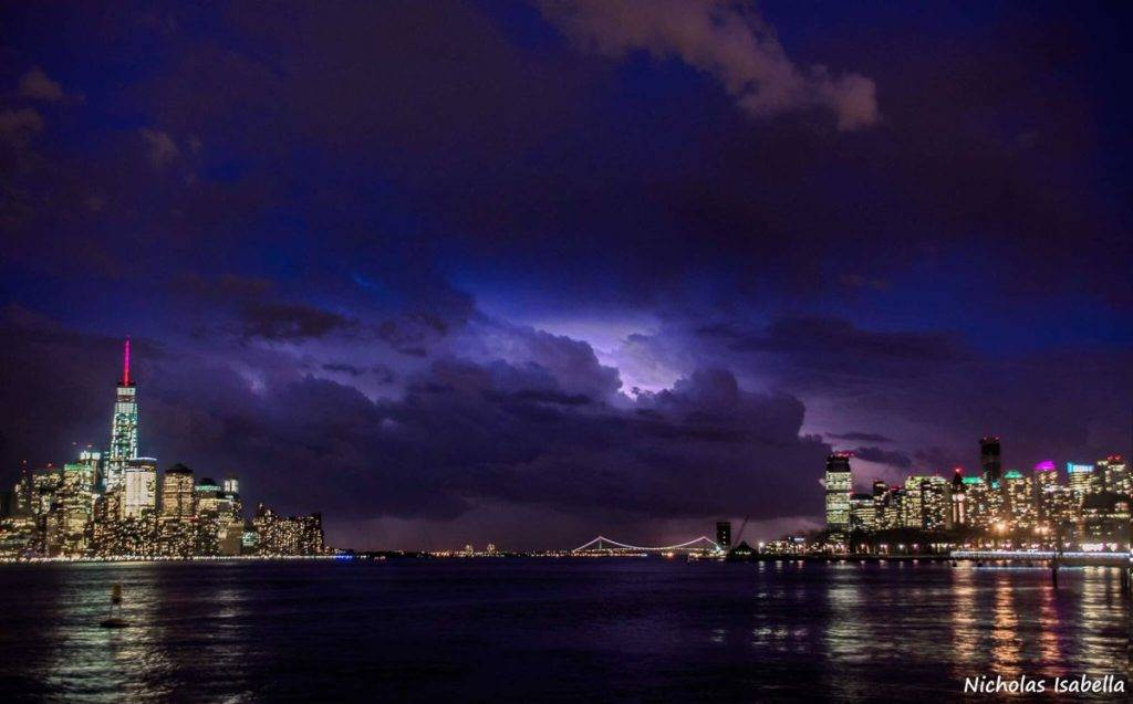 A thunderstorm moves across New York City by Nicholas Isabella @NycStormChaser