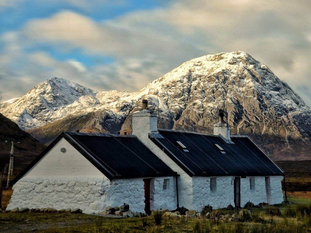 Black Rock Cottage as the sun hits The Buachaille in Glencoe by Charles McGuigan @CharlesMcGuiga2