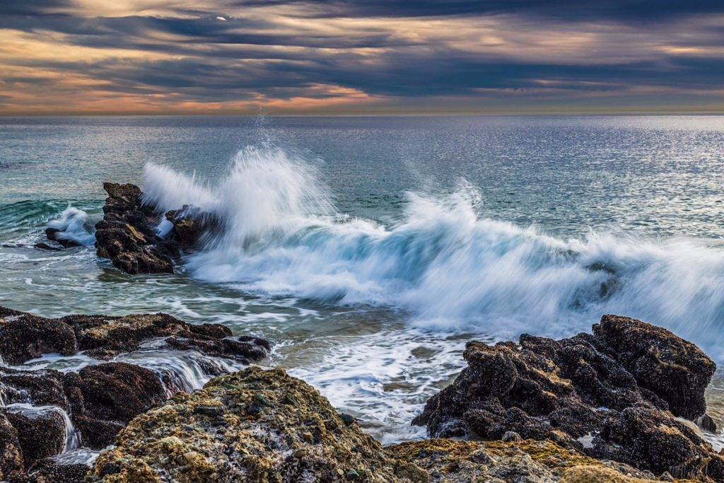 Crashing wave during the late afternoon on Laguna Beach, California by Michael Ryno Photo @mnryno34