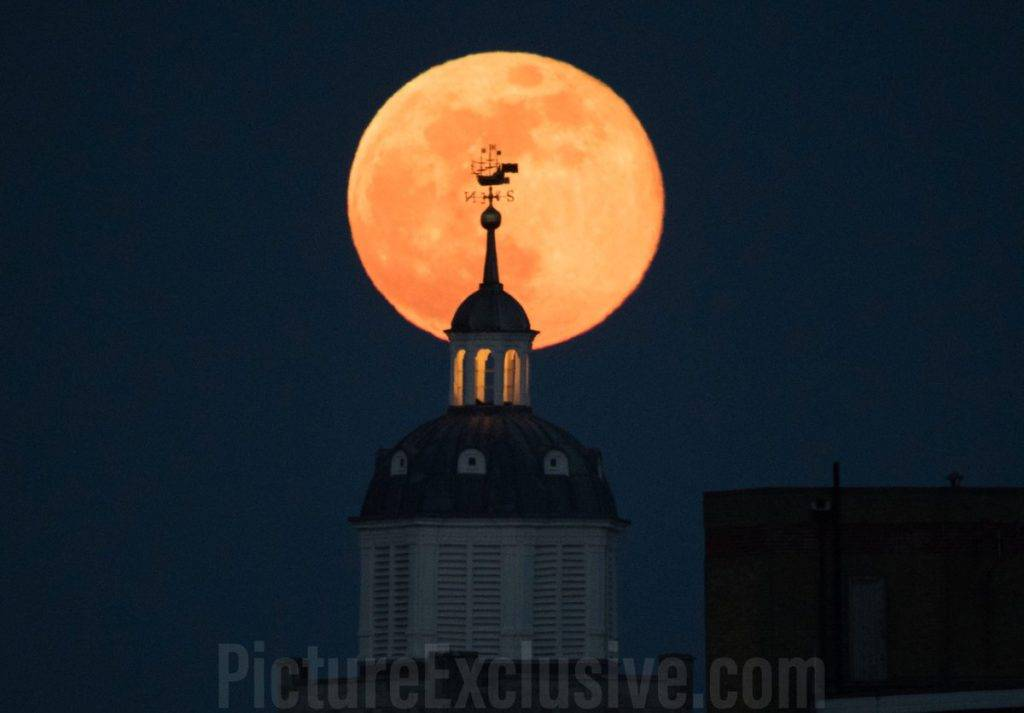 The Pink Moon rises over Portsmouth Cathedral by Paul Jacobs @picexclusive