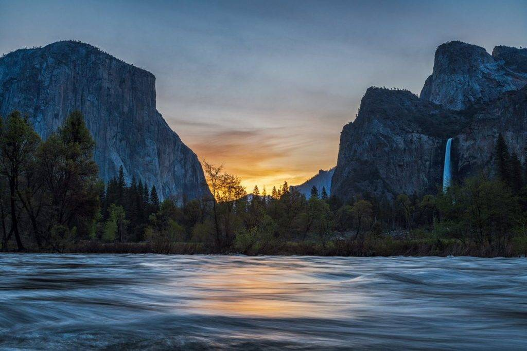 1st Place Sunrise at Yosemite National Park by Michael Ryno Photo @mnryno34
