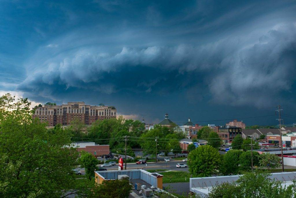Shelf cloud rolling through Annapolis by Jeff Norman @dcsplicer