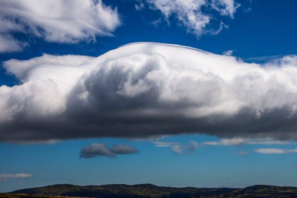 1st Place A rare Pileus cloud over Broughton Moor by Jude@green @JUDITHM58257161