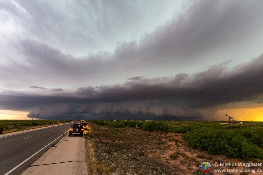 Incredible supercell east of Artesia, Albuquerque by Markus Weggässer @markus_tsc