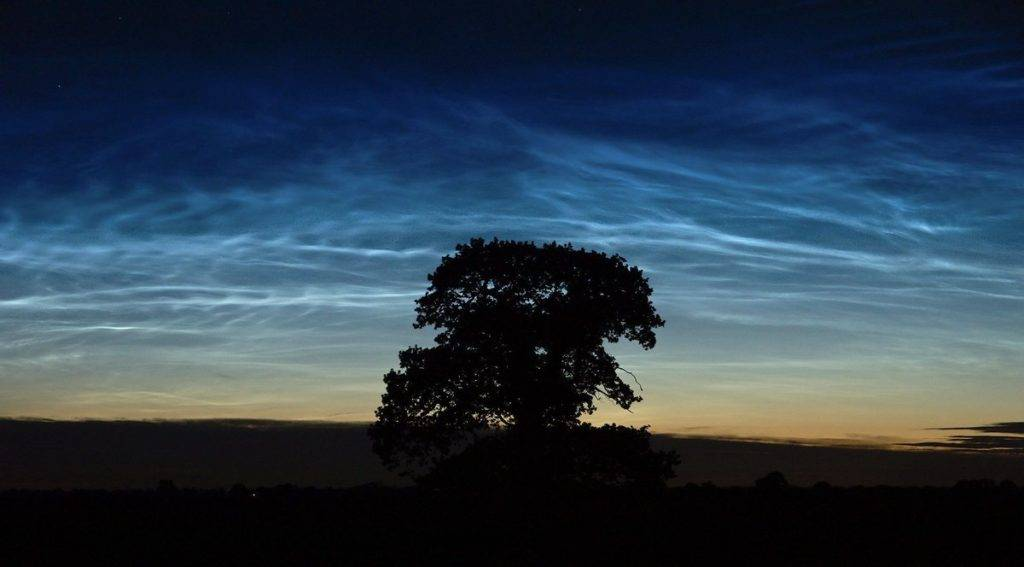 Noctilucent clouds by Mark Humpage @mark_humpage