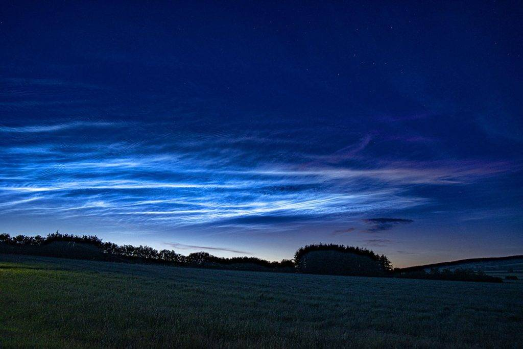 Wonderful display of Noctilucent clouds over Northumberland by Corvid Tales @CorvidTales
