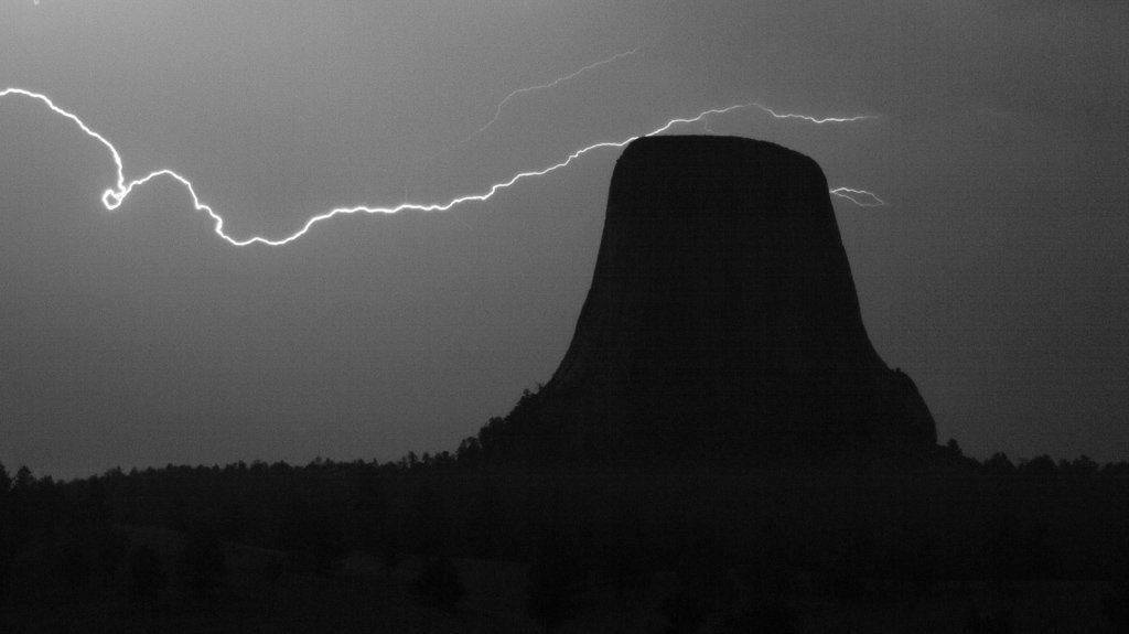 Devils Tower lightning by Tom A. Warner @ztresearch