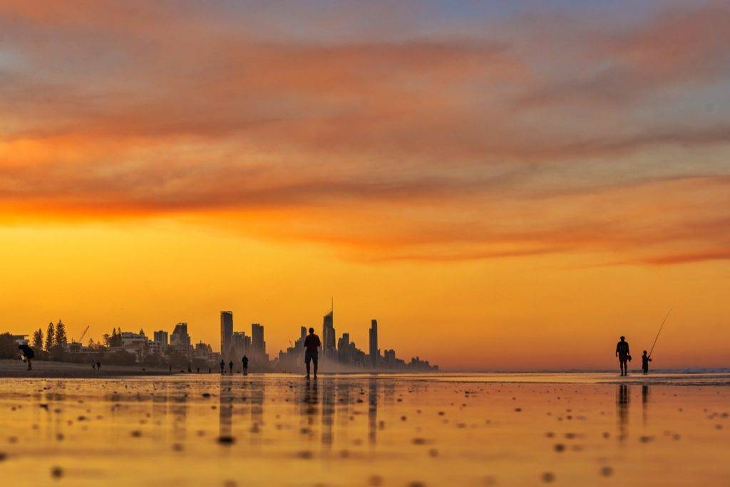 Smoke from Bush fires around the Gold Coast region by Glen Anderson @Gleno_