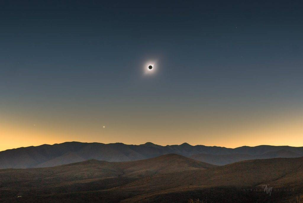 View of the Solar Eclipse 2019 during totality in the Chilean mountains near La Serena by Adrien Mauduit @NightLights_AM