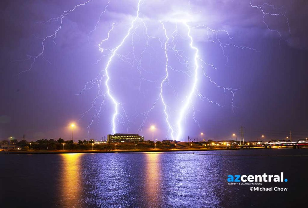 Lightning over Tempe Town Lake Michael Chow @photochowder