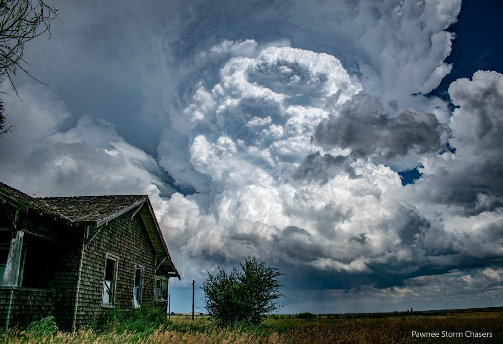 Supercell on the South side of Akron, Colorado by Pawnee Storm Chasers @PawneeStorm
