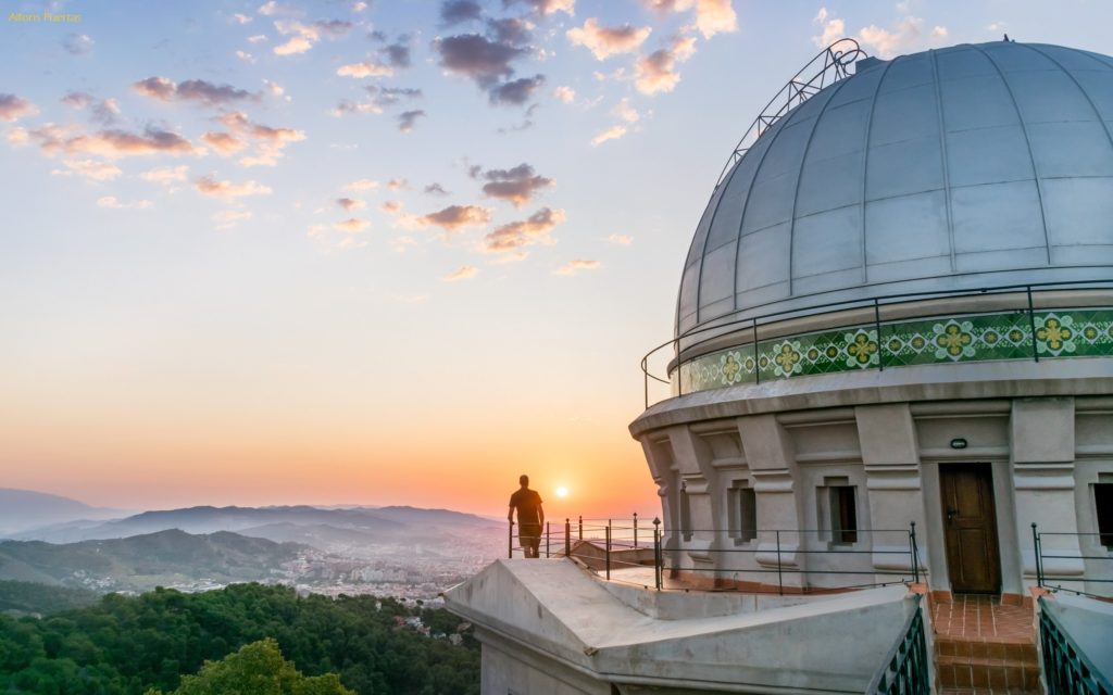 Watching the Sun rise from Fabra Observatory Barcelona by Alfons Puertas @alfons_pc