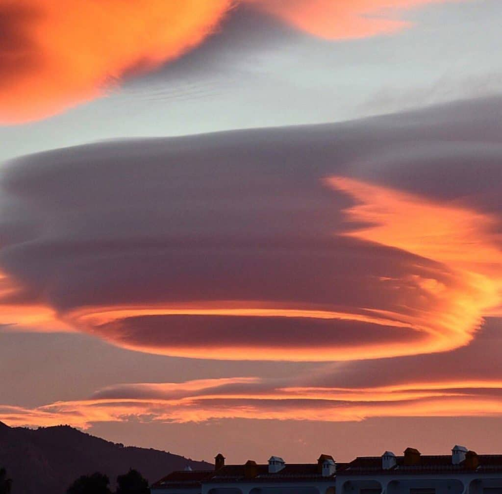 lenticular space cloud