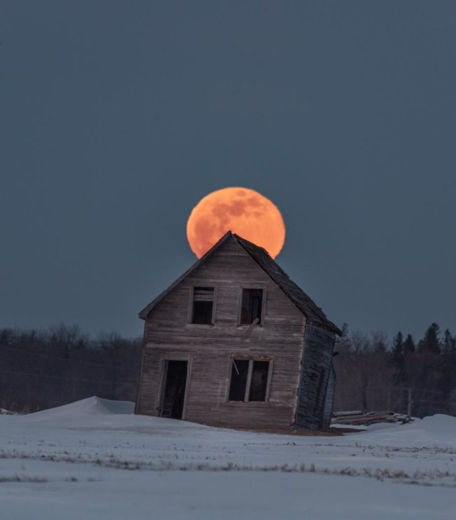 The March Worm moon in Manitoba, Canada by Brent Mckean @BrentMckean501