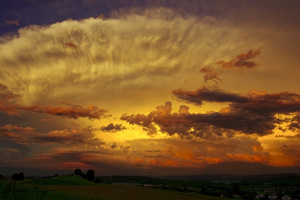 1st Place Stunning storm in the evening light in Switzerland by Wetter Ludwigsburg @lubuwetter