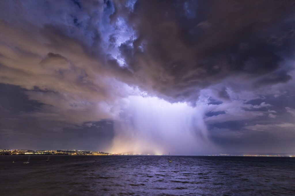 1st Place A Microburst over Swansea Tim Bow @TBowphotography