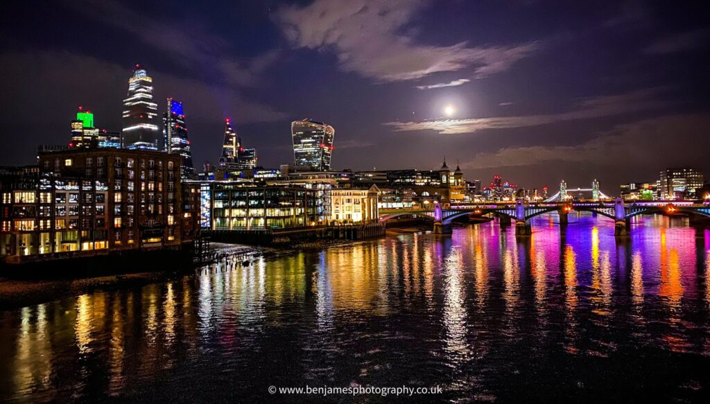 1st Place The Moon & Mars rising in tandem over London by Ben James Photography @BenJamesPhotos