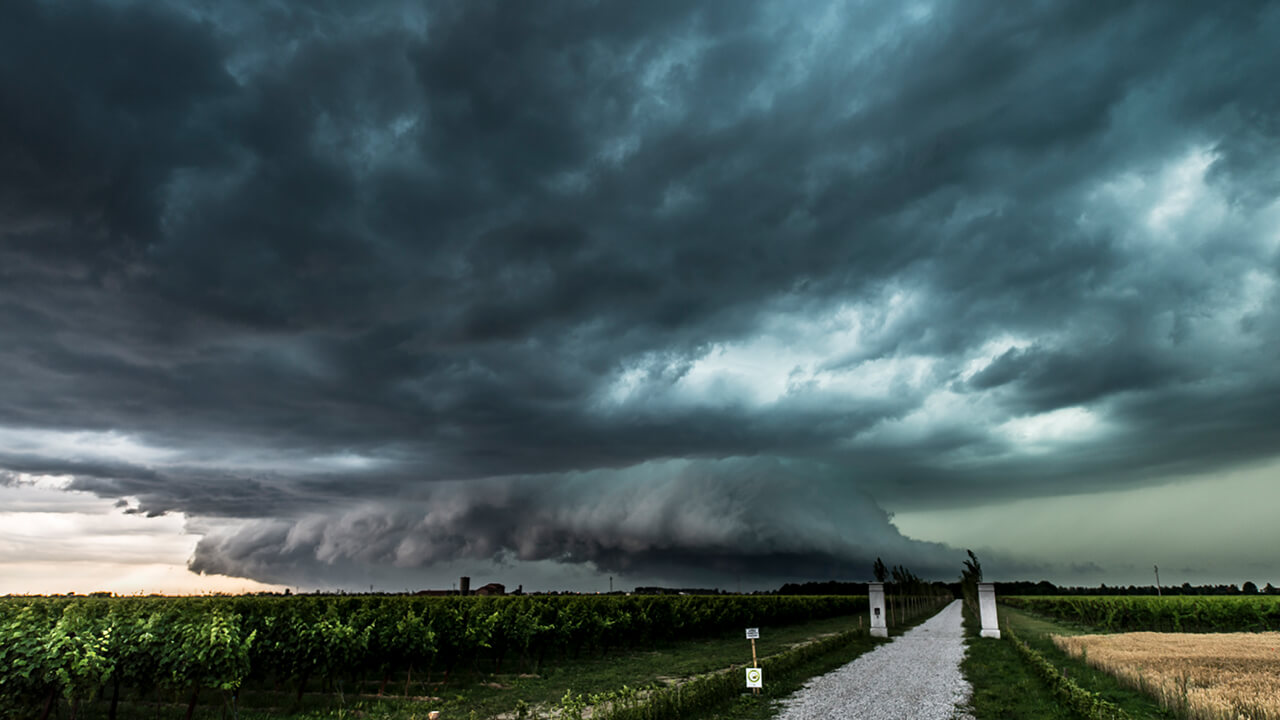 Supercell over Eraclea in northern Italy by stormchaser Maurizio Signani