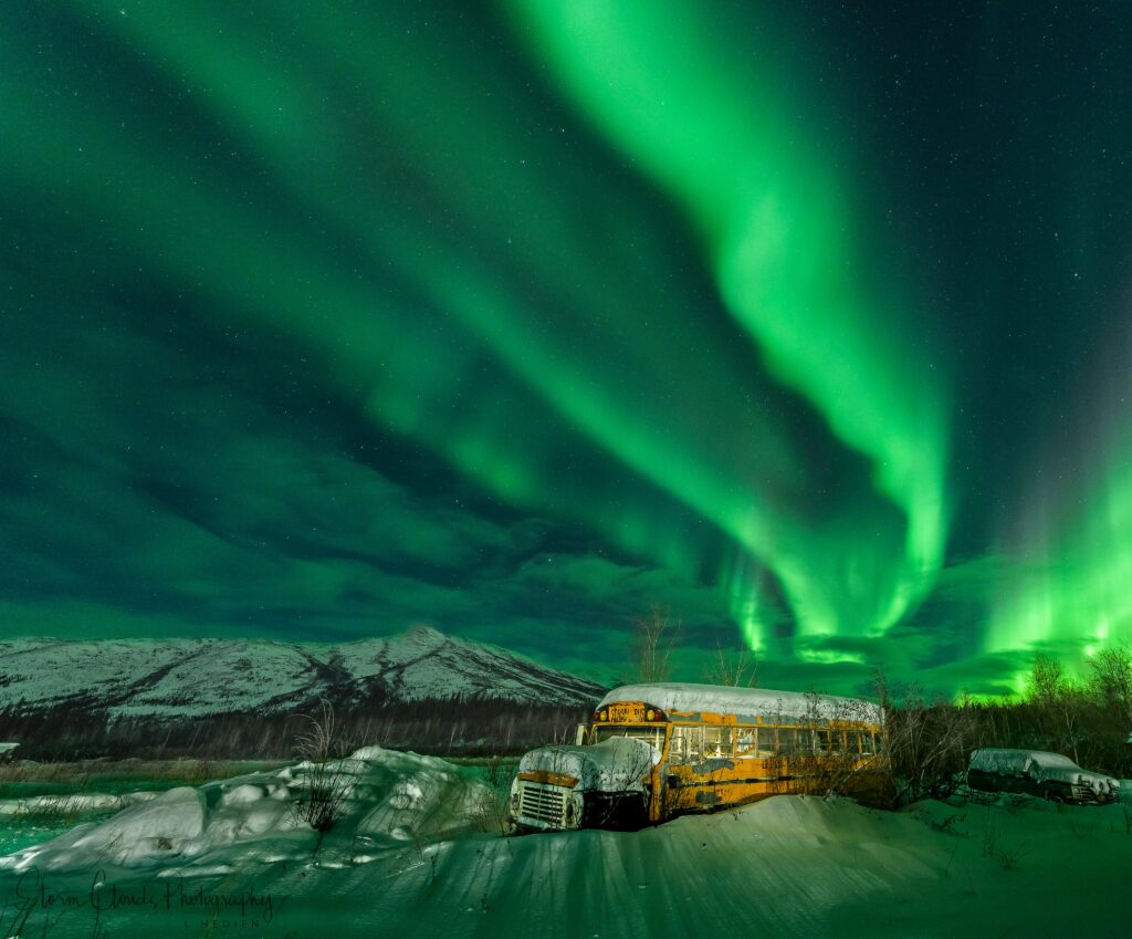 1st Place Aurora over Coldfoot in Alaska by Laura Hedien @lhedien