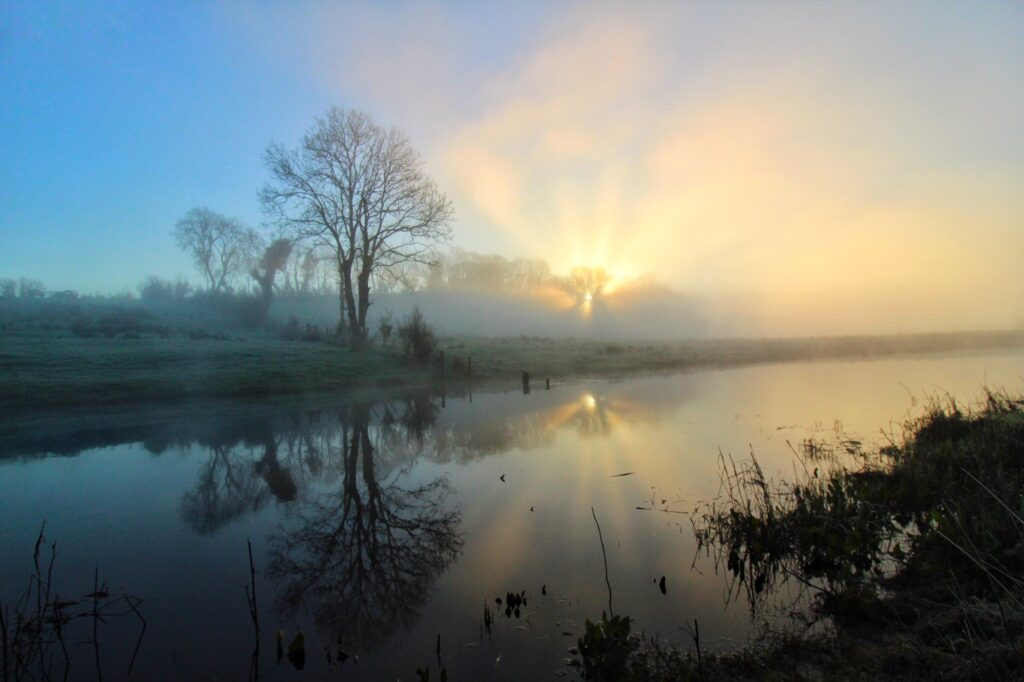 3rd Place Sunrise through the mist by Tom Gilroy photography @tomgilroy33