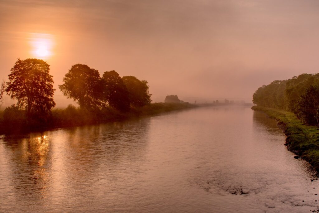 3rd Place A misty early morning over the River Tay by Roy Jacobs @woodiechef