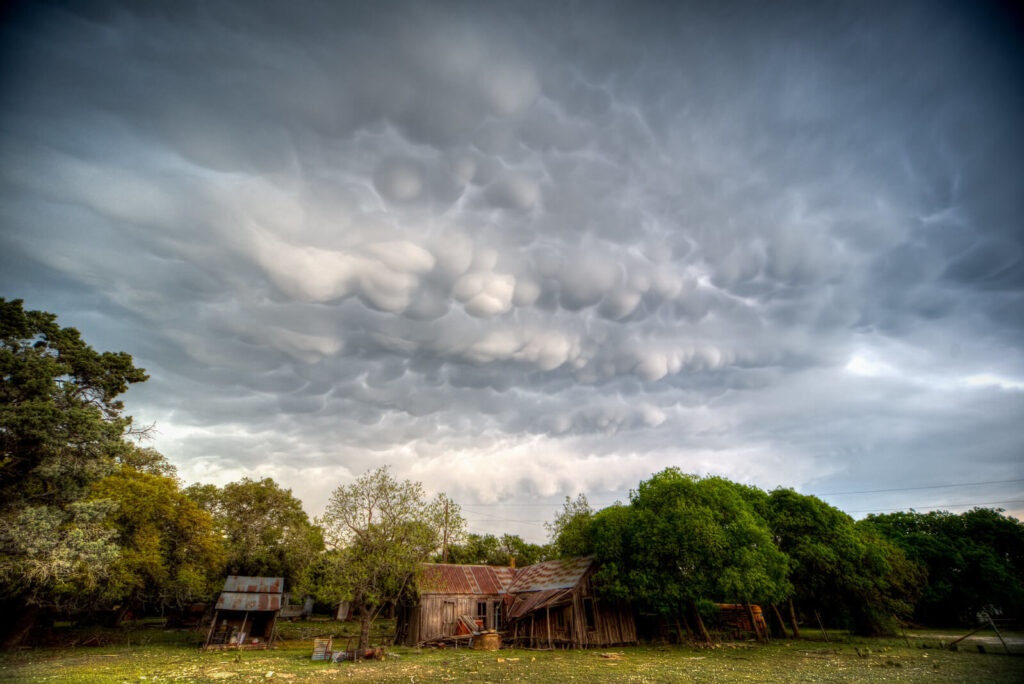 Mammatus-Clouds-over-Rural-Central-Texas-by-Phil-Ostroff-@philostrophy-1